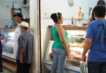 Carne contaminada en Tabasco prolifera gracias a rastros clandestinos, alertan ganaderos.