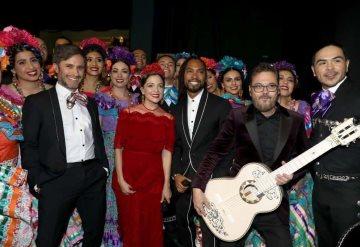Natalia Lafourcade y Gael García Bernal cantaron Remember Me