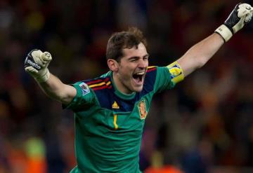 Confiesa Iker Casillas que Jorge Campos fue su inspiración