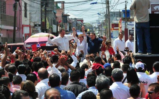 Gina Trujillo se registra como como candidata a la gubernatura de Tabasco