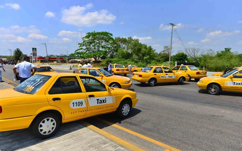 Taxistas volverán a manifestarse en abril