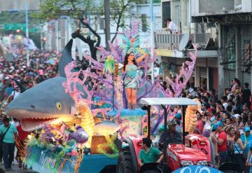 Alistan los 17 carros alegóricos para la Feria Tabasco