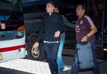 Héctor Herrera vuelve a concentración del TRI
