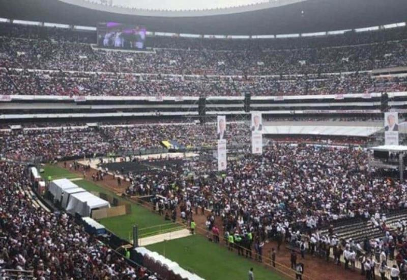 Así se vive el AMLOFest en un Estadio Azteca a reventar