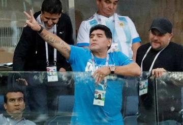 Maradona ofrece más de 10.000 dólares de recompensa para descubrir quién lo dio por muerto