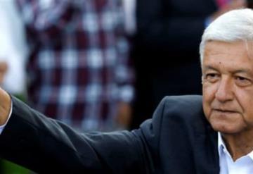 AMLO lidera primeras encuestas de salida; Meade admite derrota