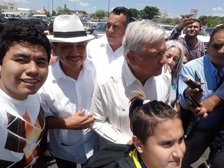 López Obrador reduce su sueldo a 108,248 pesos