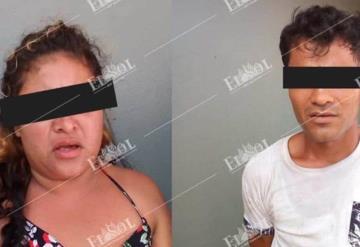 Detienen a pareja por asalto a tienda en Atasta