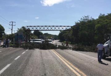 Cierran nuevamente carretera Frontera-Ciudad del Carmen