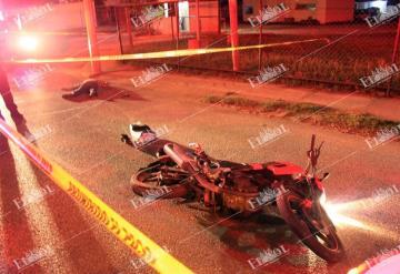 Taxista le provoca la muerte a un motociclista en Villahermosa