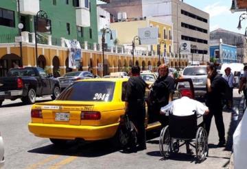 Niegan servicio de transporte público a discapacitados