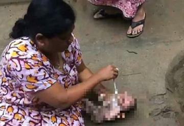¡Impactante! Aún con el cordón umbilical, rescatan a recién nacido del drenaje