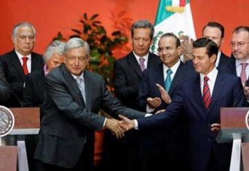 Transición se desarrolla de manera institucional y respetuosa: López Obrador
