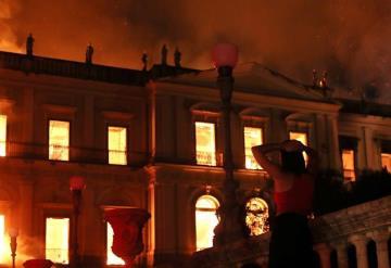 Incendio consume el Museo Nacional de Brasil