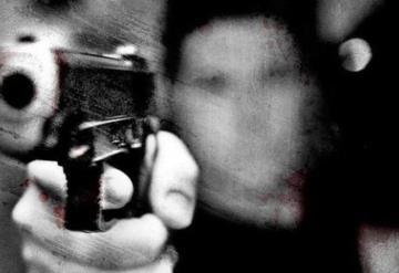 A punta de pistola y lujo de violencia roban ¡350 pesos!