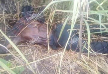Encuentran el cuerpo de un hombre sobre carretera en Tabasco