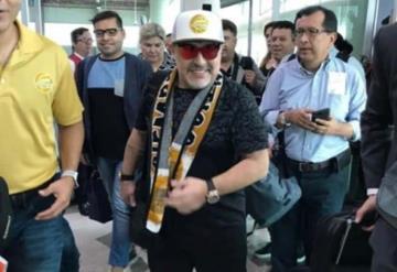 Maradona llega a Culiacán y arma la fiesta