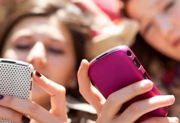 Adolescentes muestran senos y se dejan tocar hasta por 50 pesos
