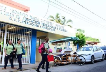 Se declaran en paro laboral maestros y administrativos de Escuela Normal de Educación Primaria