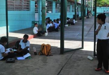 Prevén jubilación masiva de maestros en Tabasco