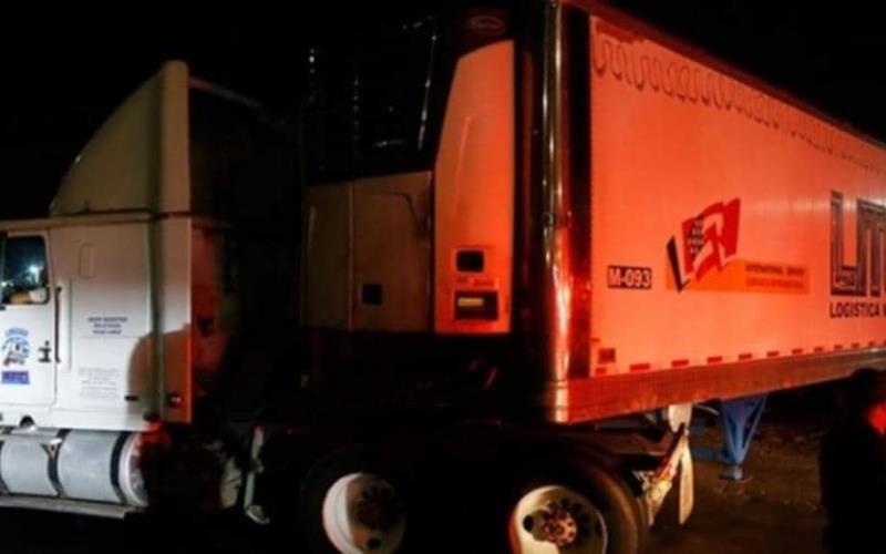 ¡No es uno, son dos camiones que trasladan unos 300 cadáveres en Jalisco!