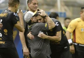 Los Dorados golean en el debut de Diego Maradona