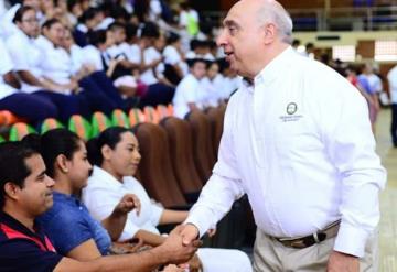 Toma protesta el nuevo rector de la Universidad Olmeca