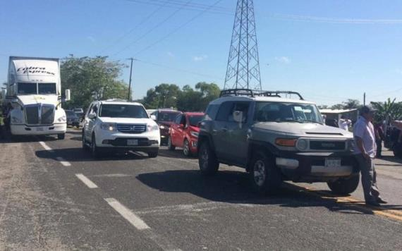 Bloquean la Carretera Villahermosa-Frontera