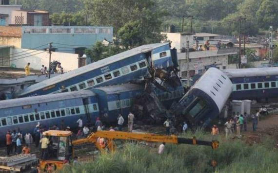 Mueren 60 al ser arrollados por un tren que viajaba a alta velocidad
