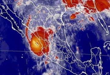Huracán Willa, de categoría 3, toca tierra en Sinaloa