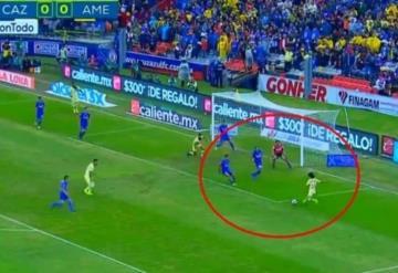Cruz Azul vs América: Diego Lainez casi anota 1-0 de las Águilas en el inicio del clásico