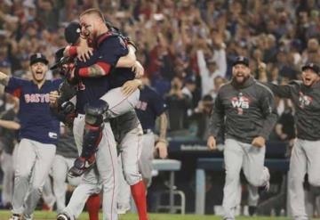 Medias Rojas se coronan en la Serie Mundial de Béisbol
