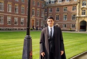 Becario de Conacyt es premiado por mejor tesis del año en Cambridge