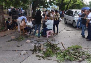 Por segundo día consecutivo mantienen bloqueo en avenida Gregorio Méndez y Paseo Usumacinta