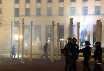 Terror en Francia; sujetos hacen purga por Halloween
