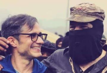 Presume Gael García foto junto al subcomandante Galeano