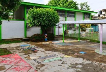 Sin rehabilitar 320 escuelas