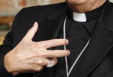Hombre atentó contra un sacerdote tras enterarse que había lastimado a su hija