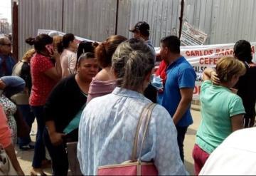 Locatarios protestaron esta mañana en la sede del nuevo mercado ´José María Pino Suárez´
