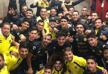 Baile, cánticos y euforia: Dorados de Maradona celebran pase a semifinales del Ascenso MX