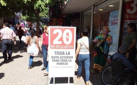 Tabasqueños abarrotan tiendas para aprovechar descuentos del Buen Fin