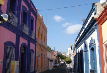 Pintarán fachadas de casas en Villahermosa por programa de recuperación de Centros Históricos