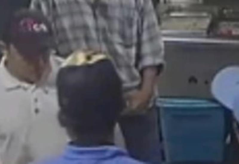 Video: En cuestión de segundos asaltan a comerciantes en Centro de Villahermosa