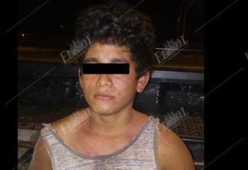 Detienen a sujeto por asalto con violencia a un taxista en Avenida Universidad