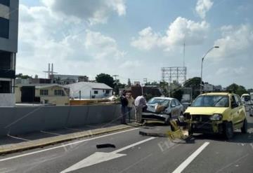 Caos vial por accidente sobre Ruiz Cortines