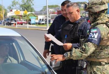Secretaria  de Marina y Policías Municipales realizan operativo en Comalcalco