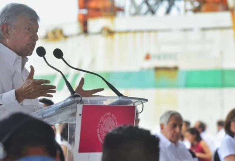 Anuncia AMLO desde Tabasco, inversión extra para Pemex