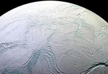 NASA da a conocer Titán, la luna de Saturno y está bellísima