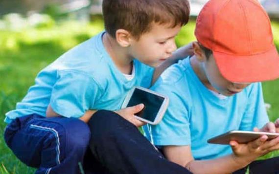Estudio revela que el cerebro de los niños está cambiando por excesivo tiempo ante pantallas