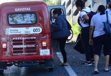 Pochimovileros hacen su agosto en el bloqueo de la Villahermosa - Macuspana